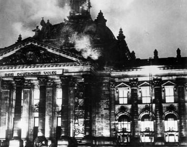 Tarih unutmaz : Reichstag Yangını 1933 Almanya